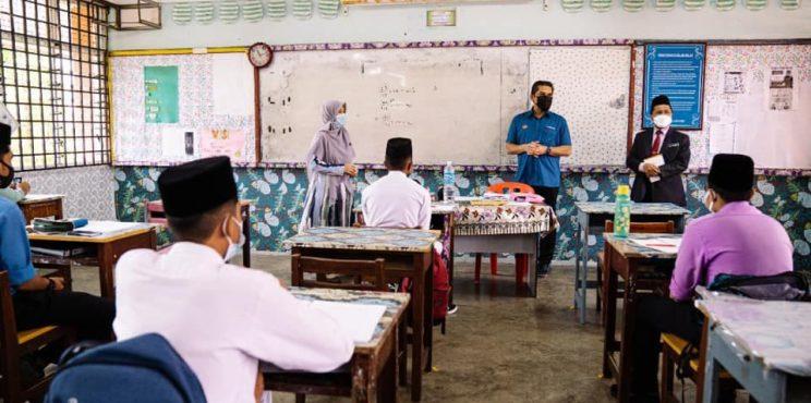 Guru enggan divaksin tak mengajar secara bersemuka di sekolah lain